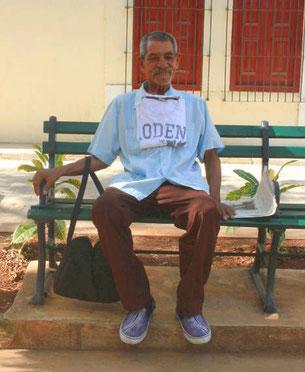 Armer Mann in Havanna auf Kuba