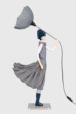 Skitso Lampe Puppenleuchte Figurlampe mit Schirm im Kleid Design Lampada skitso lampada figura lampada bambola con paralume nel del vestito