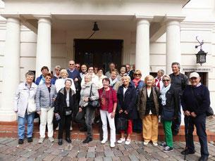 Die Gruppe des GHV vor dem Rathaus in Kaunas (Litauen)