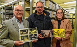 Historische Aufnahmen und Postkartenansichten aus der Schroffsammlung präsentieren Werner Echle, Andreas Flöß und Ute Schulze. 1546 Datensätze mit jeweils mehreren Fotos werden ab kommendem Jahr im Internet präsentiert und so der Öffentlichkeit zum Betrac