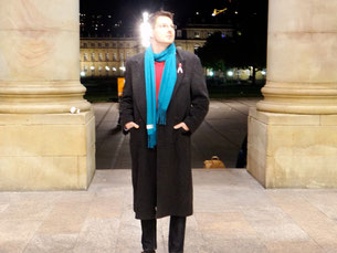 Back to Stuttgart. Pink ribbon still at the coat. Photo: Men's Individual Fashion.