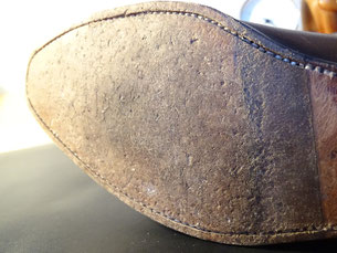 Länger getragene Ledersohle/ Longer worn leather sole. Photo: Men's Individual Fashion.