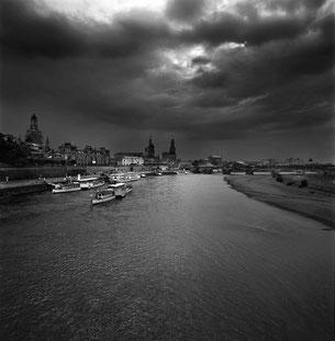 Dresden und die Elbe, fotografiert von Pang Xiaowei.