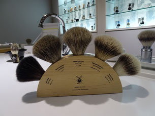 Different hair quality of shaving brushes. Photo: Men's Individual Fashion.