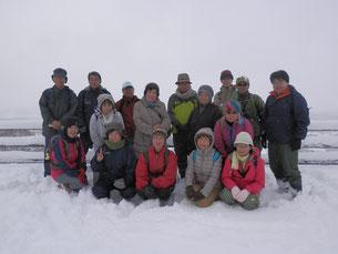 丸加高原展望台での記念写真。11月とは思えません。