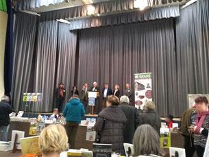 Le GRAHS et les élus lors de l'inauguration du Printemps des Livres 2018 à Lamotte-Beuvron