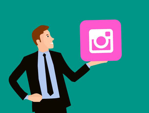 Mann mit Instagram-Icon