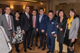 v.l.n.r. Botschaftsrat GAO Xingle, Chen Feiyun, Christian Kern, Pan Yao, Wang Fei, Georg Zanger, Janet Mo, Veronika Ettinger