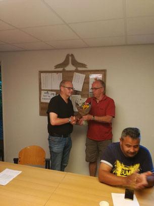 De Bloemen waren voor Fondkampioen Wessel