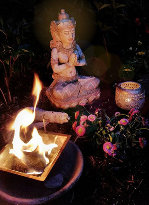ShivaShakti Puja Parvati HeiligeHochzeit YinYang blütenklang
