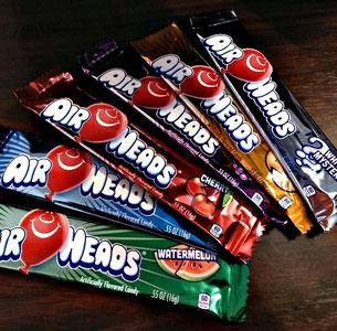 kindergeburtstag feiern geschenkideen teenager erlebnisgeschenk kinder candy Süßigkeiten lecker teenAir Heads Kaubonbonstreifen