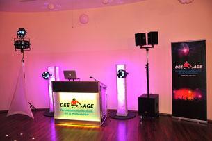 DJ-Pult und Hochzeits-DJ-Setup für eine perfekte Party mit DJ Mr. Dee-Age