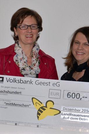 LandFrauenvorsitzende Andrea Beckdorf und Andrea Huntemann von der Initiative mitMenschen