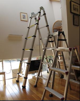 組立てはしごと脚立(左からA、B、C)