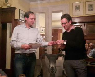 Karsten Blumentritt (amtierender Präsident) erhielt von unserem Sekretär Michael Künzel die zentral zugesandte Anerkennung fürMitgliederzufriedenheit.