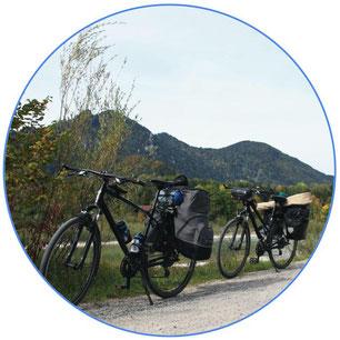 Deux vélo de cyclotourisme