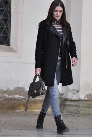Investment-Pieces Mantel Coccinelle-Tasche graue Jeans gestreiftes Rollkragenshirt OOTD Modeblog Fairy Tale Gone Realistic Fashionblog Passau