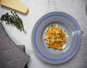 Pasta mit Ziegenkäse-Walnuss-Füllung