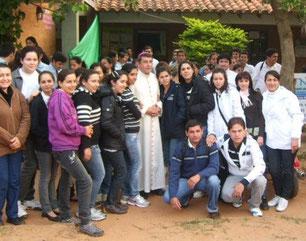 Visita del Monseñor Ricardo Valenzuela a la Facultad de Ciencias de la Salud