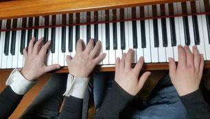 小学生とのピアノ連弾