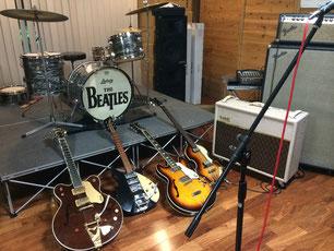 メンバーの楽器(スタジオ内)