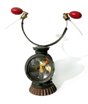 Hugin,  Lampe, Parfumzerstäuber, Kopfhörerbügel