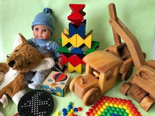2歳ころからの木のおもちゃ、ピーターキンベビー、ネフスピール、シャベルカー(キャンプヒルプロダクト)、北欧のトラック(デブレスカ)、六面体パズル 4ピース 乗り物 (アトリエフィッシャー)、マグネフ、リモーザ、手人形きつね(カリスト社)の商品画像
