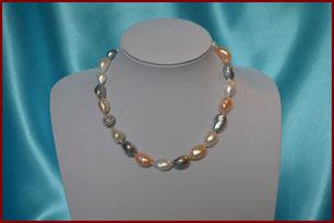 Magnifique collier de perles de culture baroques ras du cou multicolores (couleurs rares) : à partir de 180 €