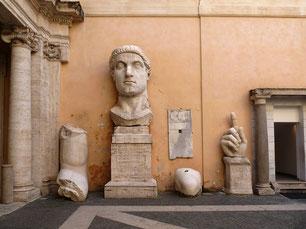 Kolossalstatue Konstantin des Großen in den Kapitolinischen Museen