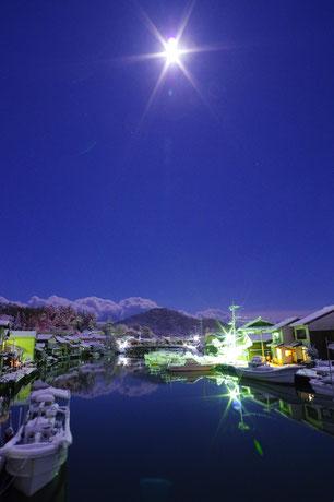 隠岐の島 八尾川 雪の夜の八尾川