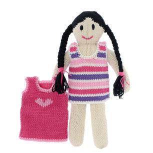gestrickte weiche Puppe mit Zöpfen