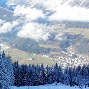 Skigebiet Kellerjoch mit Blick ins Inntal