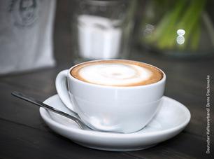 Wir bieten Ihnen Basis-Kaffeeschulungen, Barista-Ausbildungen, Fortbildungen, Maschinen-Workshops und einen bundesweite Re-Check-Service für Ihre Filialen
