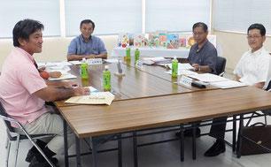 「協議会の責任と権限」で教科書を選定した12日の八重山採択地区協議会(市教委提供)