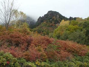 みずがき山自然公園からの瑞牆山