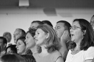 Ecole de musique à Crolles – Grésivaudan : La chorale VMC lors d'un concert. Elle accueille les lycéens et les adultes.