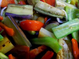Gemüseschmorgericht in der Pfanne