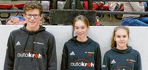 Elias Connor Dickel, Malin Böhl und Aaliyah Keller (v.l.) überzeugten bei der Leistungsüberprüfung in Kreuztal.