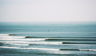 Image of some long Peruvian lefthander waves