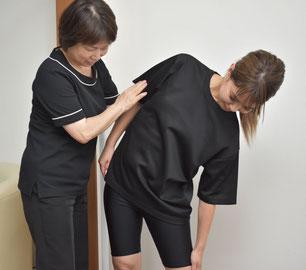 大阪のダイエットサロンで施術を受ける女性の写真