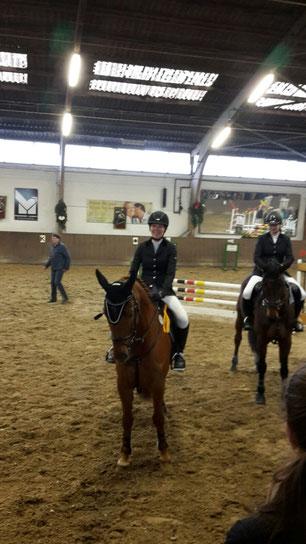 Antje und Maddox gewinnen das A-Springen in Koblenz-Metternich im Januar 2016