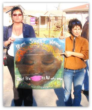 Artist Diane Moran (left)