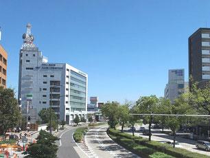 名古屋・地下鉄伝馬町駅の交差点より東を望む