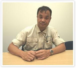 本社工場内の会議室で取材を受ける本田さん