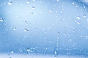 Fenster mit Wasser
