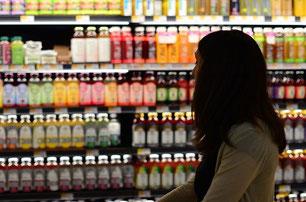 Einkaufen Supermarkt Frau Lebensmittel