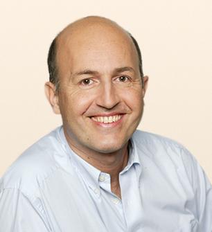 Ausbildngsleiter Prof.  Babak Kaweh - Wien