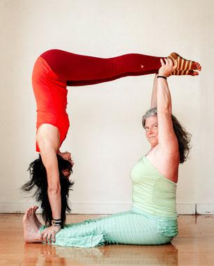 acroyoga  yoga / aerial / circus / nyc