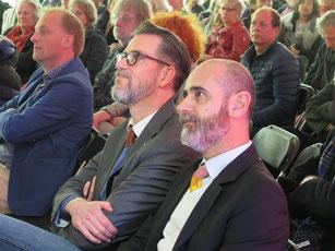 Snijder&CO kunstenaar luisteren naar Susan Lammers (directeur Rijksdienst voor Cultureel Erfgoed)