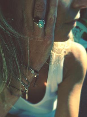 bijoux, bague,calcédoine, bracelet réglable, bracelet cordon,bijoux de femme,bijoux naturels,